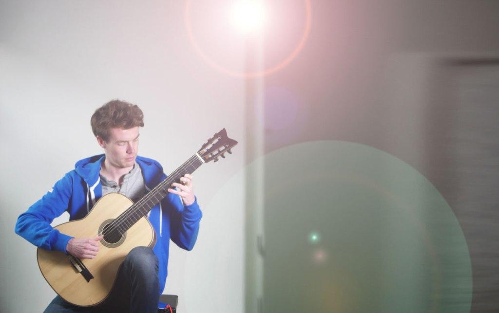 Sören Golz, Musiker, Gitarrist, spielend